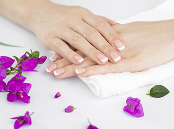 Carlin Beauty Salon - Manicure